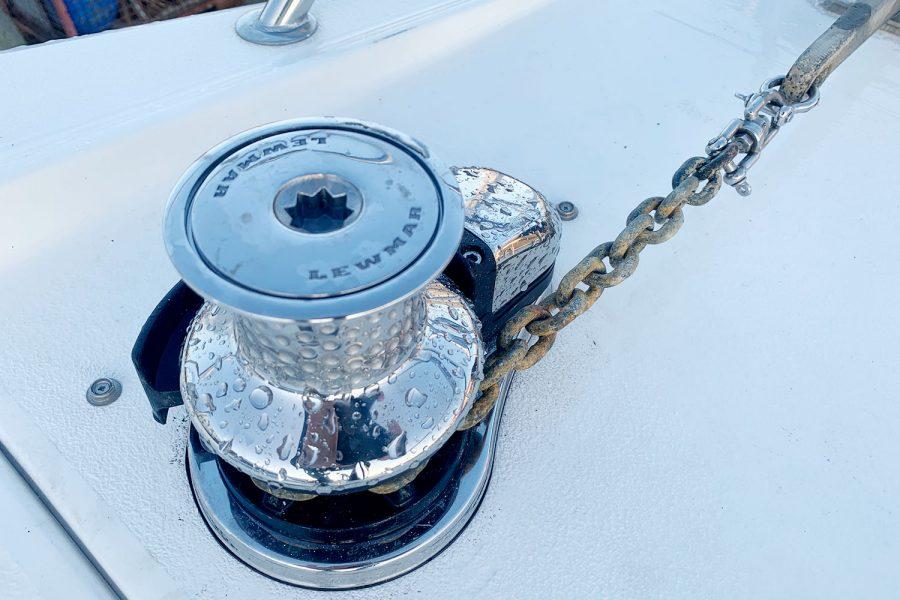 Nimbus 30c boat - electric windlass