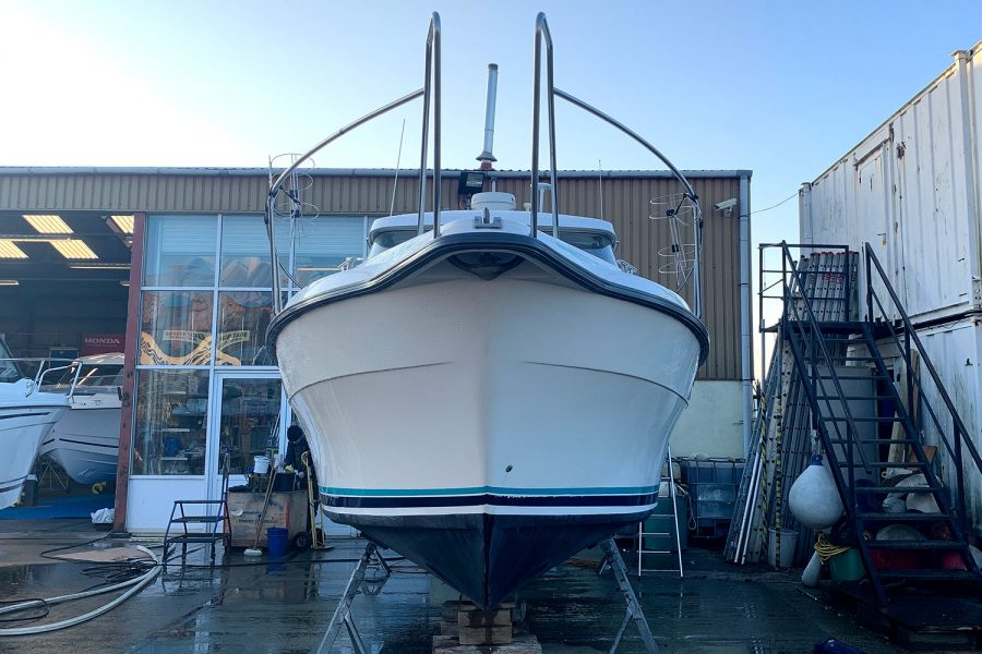 Nimbus 30c boat - bow and pulpit