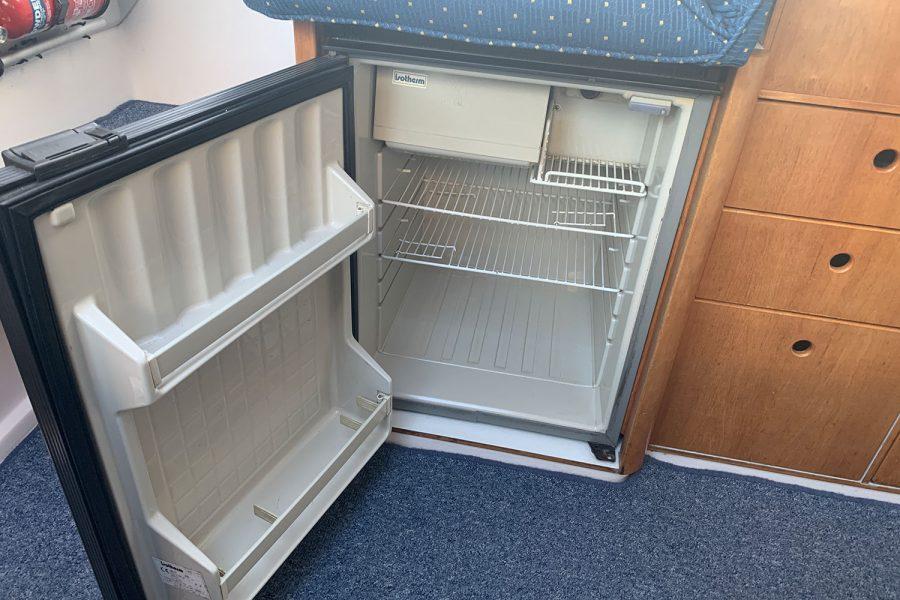 Nimbus 30c boat - galley fridge