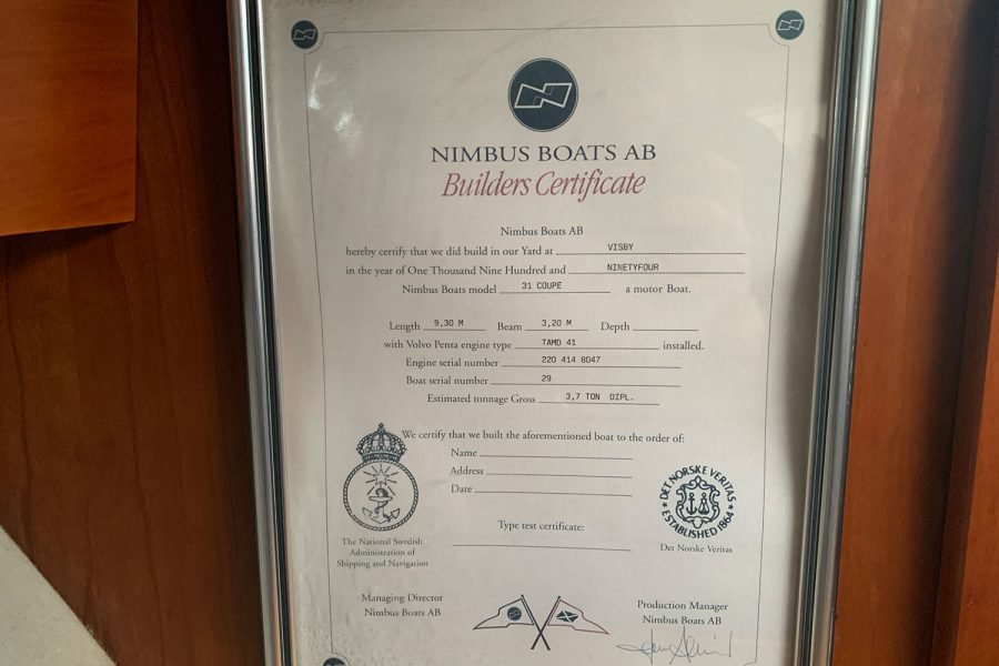 Nimbus 30c boat - builders certificate