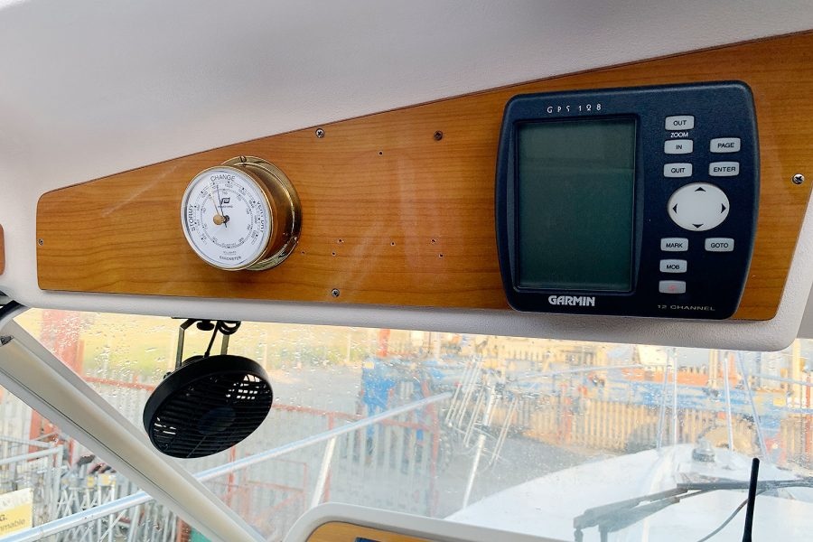 Nimbus 30c boat - clock and barometer