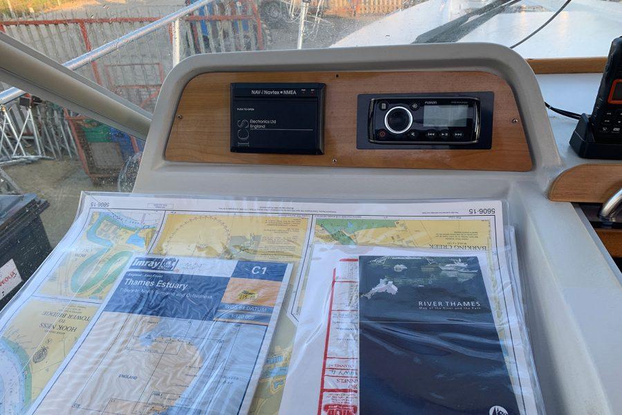Nimbus 30c boat - Fusion audio
