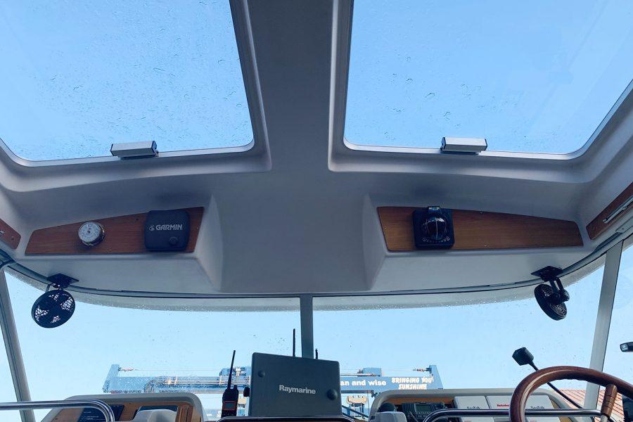 Nimbus 30c boat - wheelhouse ceiling