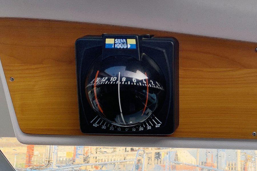 Nimbus 30c boat - Silva 1000 compass