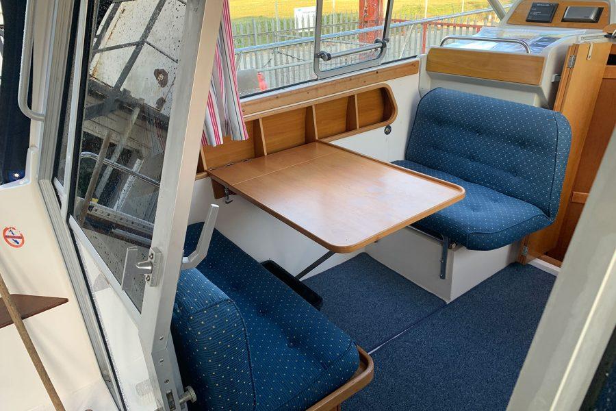 Nimbus 30c boat - wheelhouse port side table