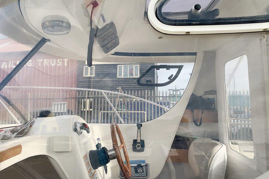 Avor 215 AS interior