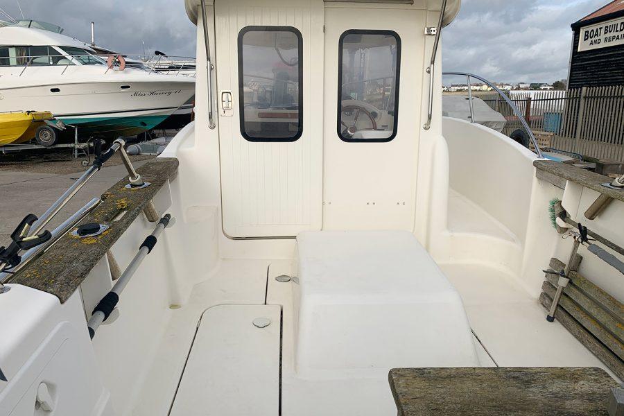 Avor 215 AS deck