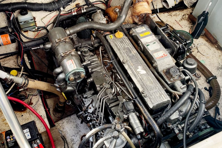 Rinker Fiesta Vee 270 - Yanmar diesel inboard