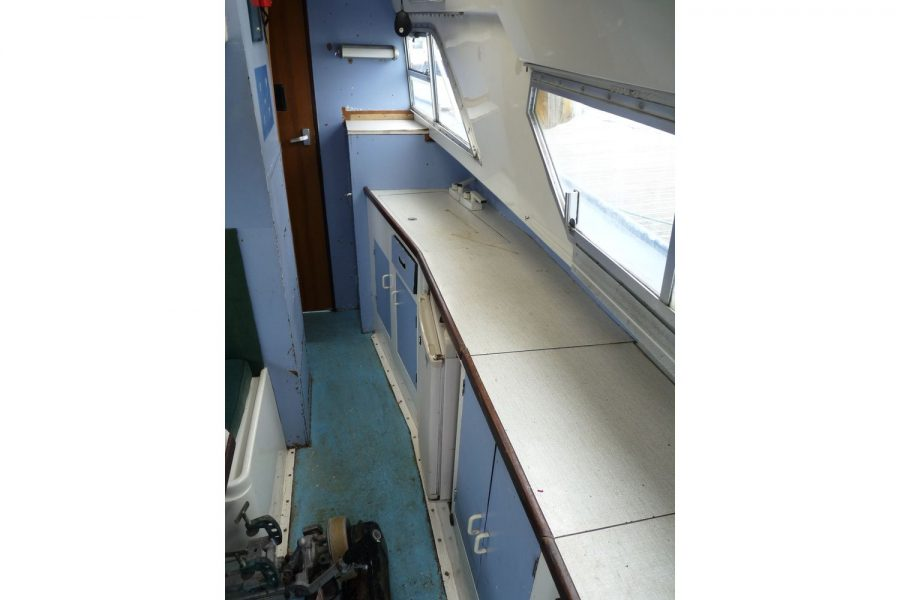 Fairline Fury 24 - galley