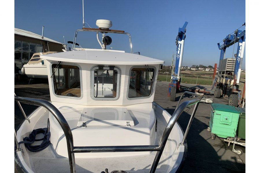 Hardy Fisherman 24 Extended Wheelhouse - bow