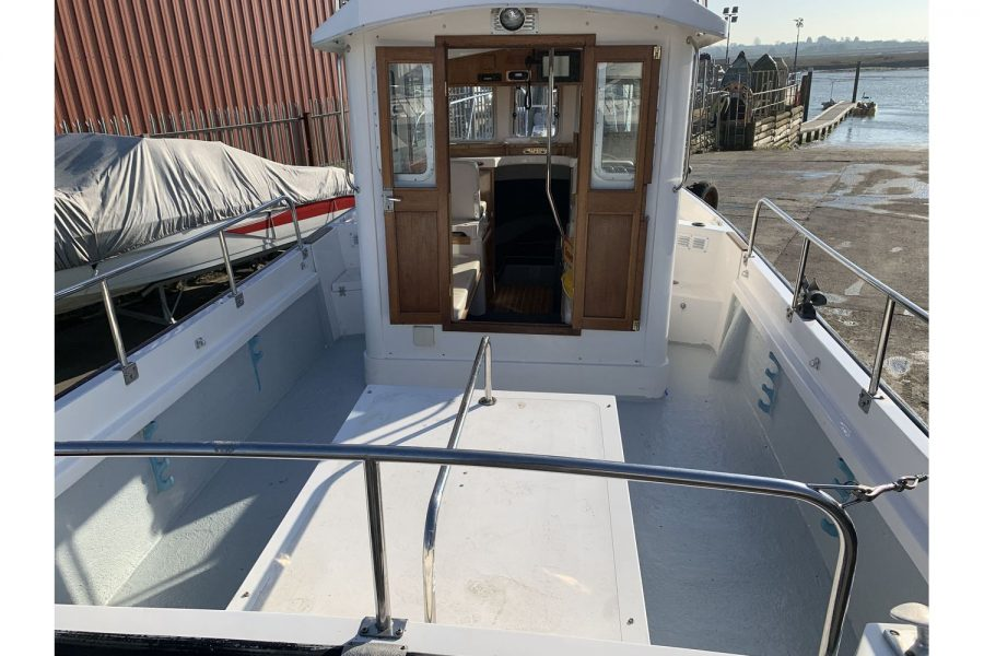 Hardy Fisherman 24 Extended Wheelhouse - cockpit