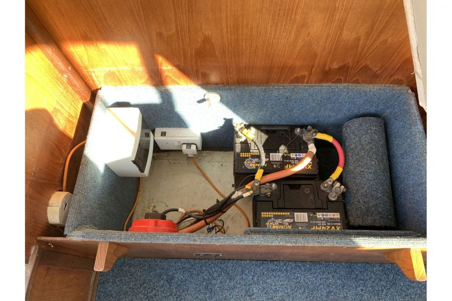 Hardy Fisherman 24 Extended Wheelhouse - battery compartment