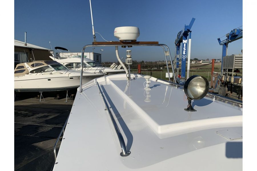 Hardy Fisherman 24 Extended Wheelhouse - wheelhouse roof