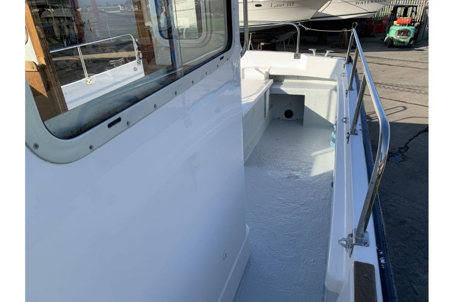 Hardy Fisherman 24 Extended Wheelhouse - side deck to cockpit