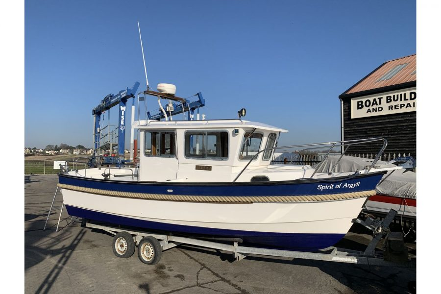 Hardy Fisherman 24 Extended Wheelhouse - starboard side