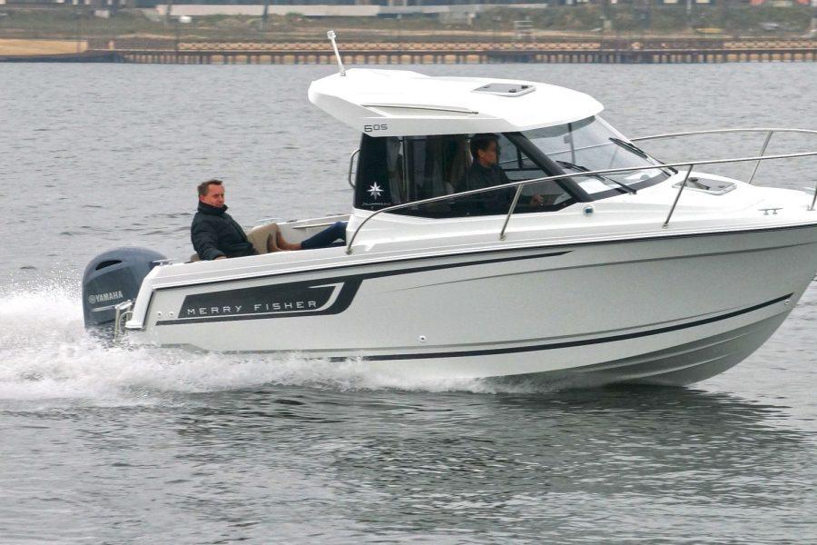 Jeanneau Merry Fisher 605 - starboard side