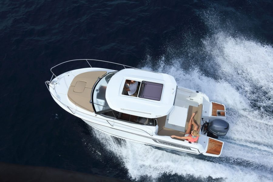 Jeanneau Merry Fisher 695 - overhead view