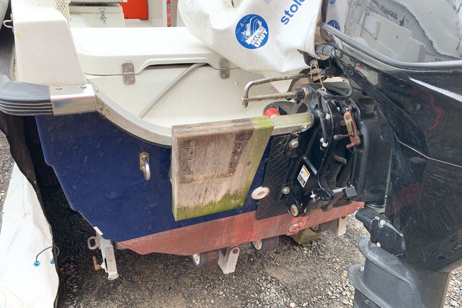 Orkney 520 fishing boat - auxiliary outboard bracket