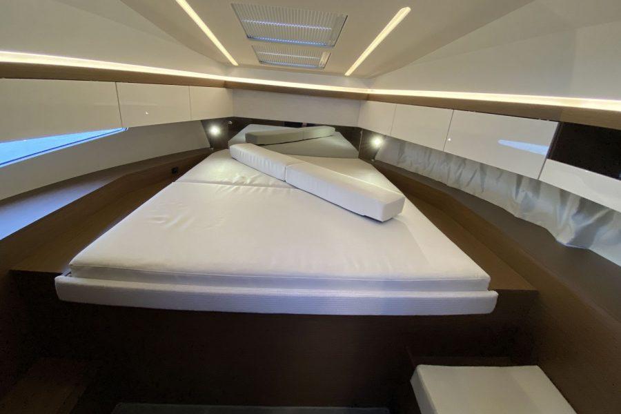 NC 33- main-cabin