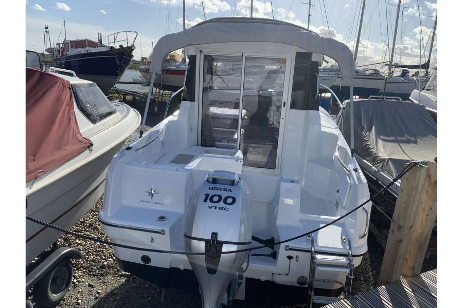 Jeanneau Merry Fisher 605 - transom and cockpit