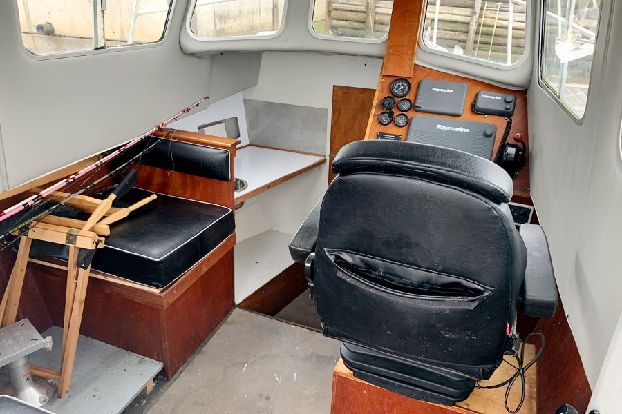 Starfish 8m - helm suspension seat