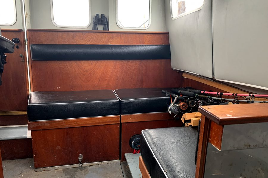 Starfish 8m - ample seating in the wheelhouse