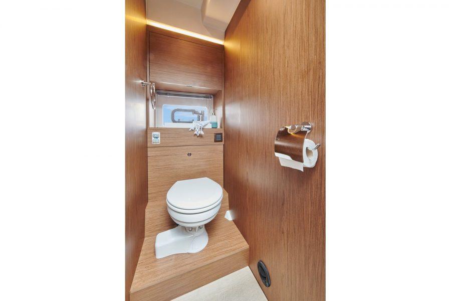 Jeanneau NC 37 - toilet