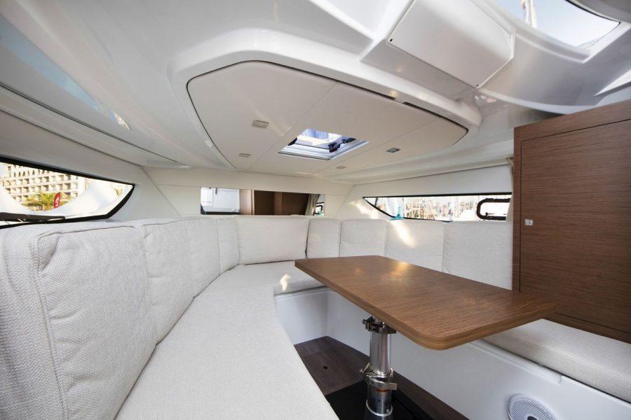 Jeanneau Cap Camarat 10.5 WA - forward cabin