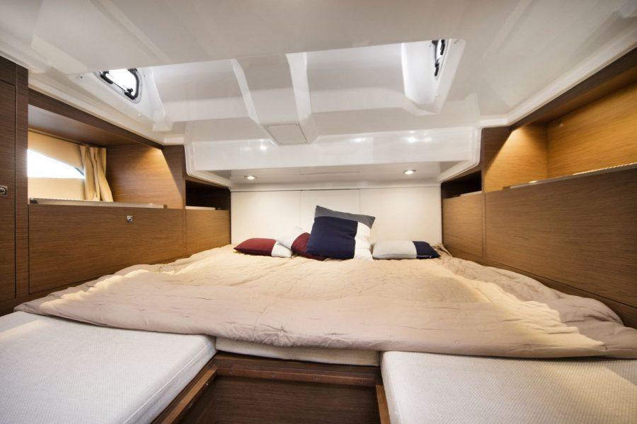 Jeanneau Cap Camarat 10.5 WA - aft cabin