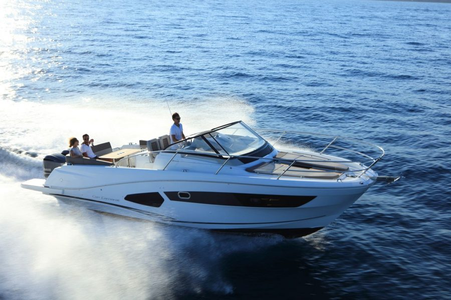 Jeanneau Cap Camarat 10.5 WA - fun on the water