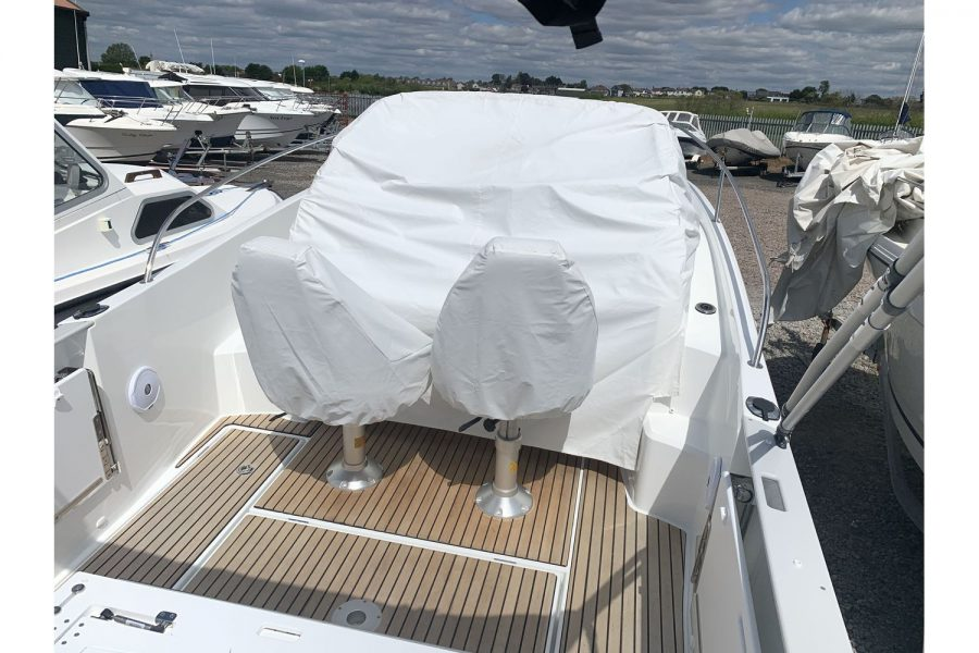 Jeanneau Cap Camarat 7.5 WA - console and seats covers