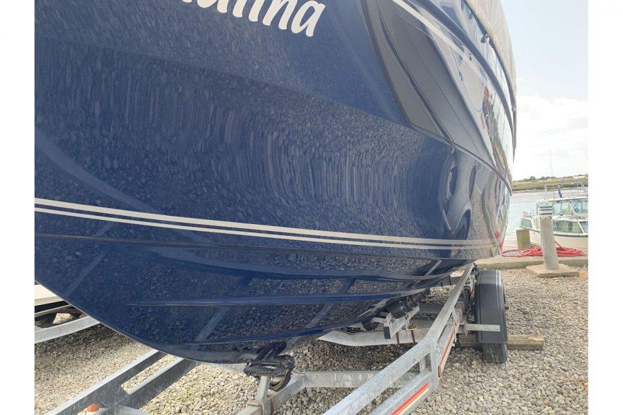 Jeanneau Cap Camarat 7.5 WA - blue hull