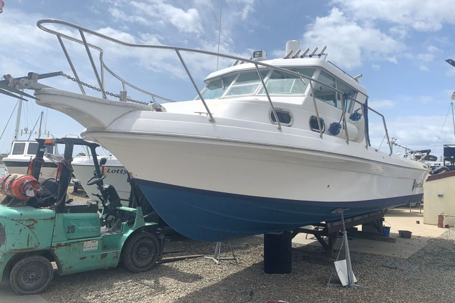 Sportcraft 302 - fishing boat - bow and port side