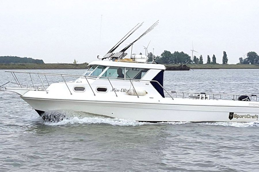 Sportcraft 302 - fishing boat - on the water