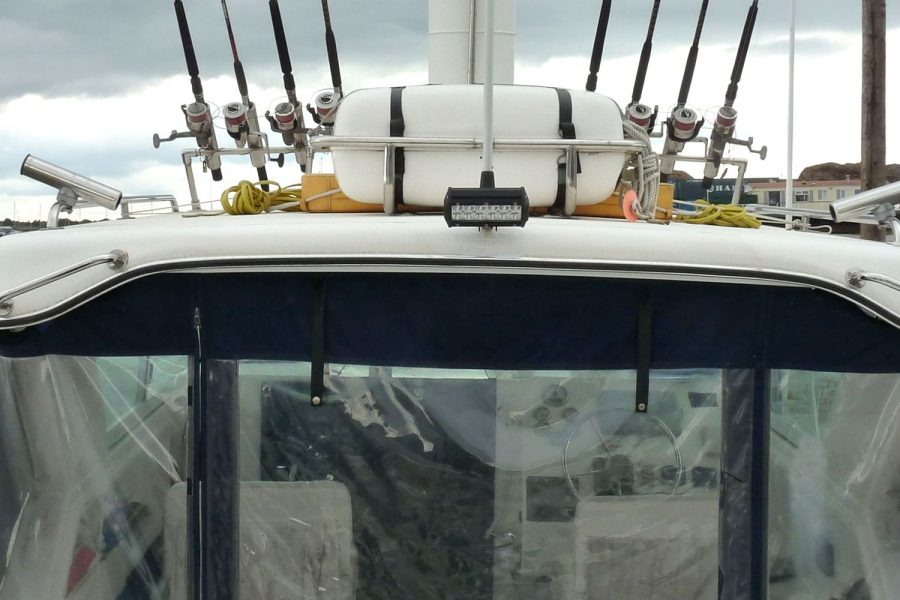 Sportcraft 302 - fishing boat - fishing rod holders