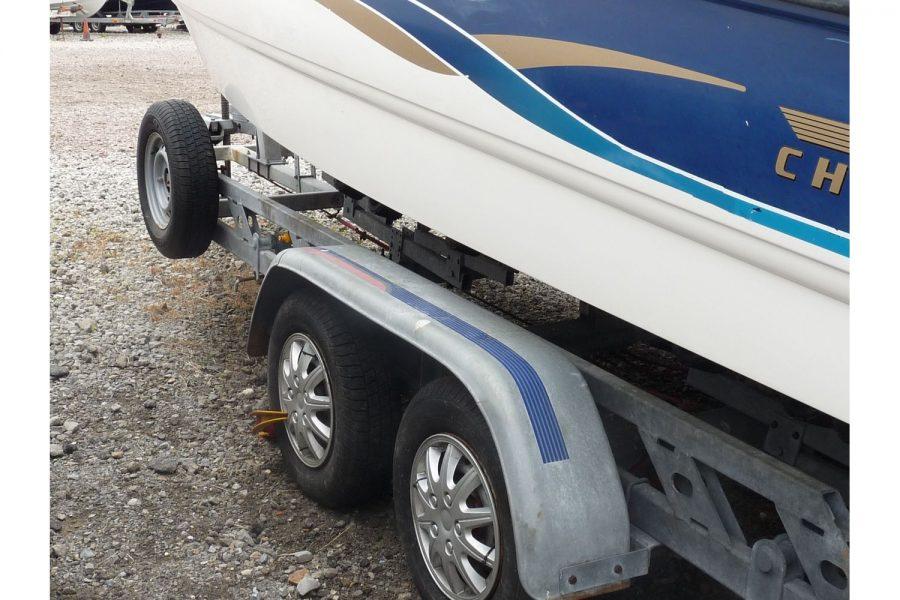 Chaparral 205 LE sportsboat - Indespension Super Roller Coaster 2600 trailer