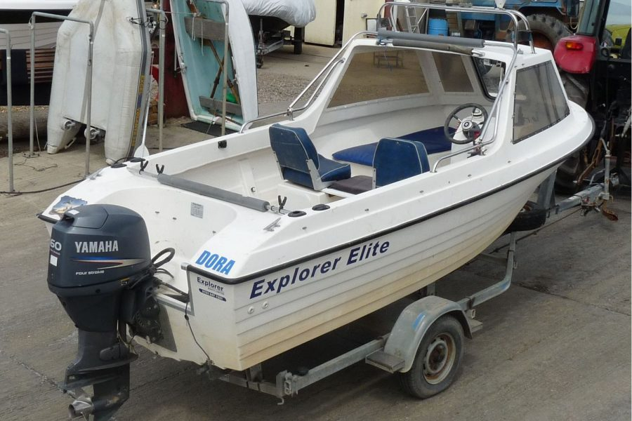 Explorer Elite fishing boat - starboard side and transom