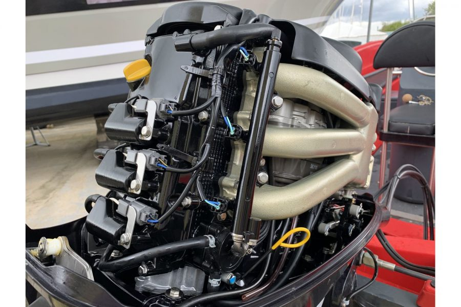 Fun Yak 15 boat - Tohatus 40hp outboard internals