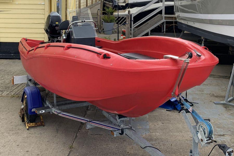Fun Yak 15 boat - bow