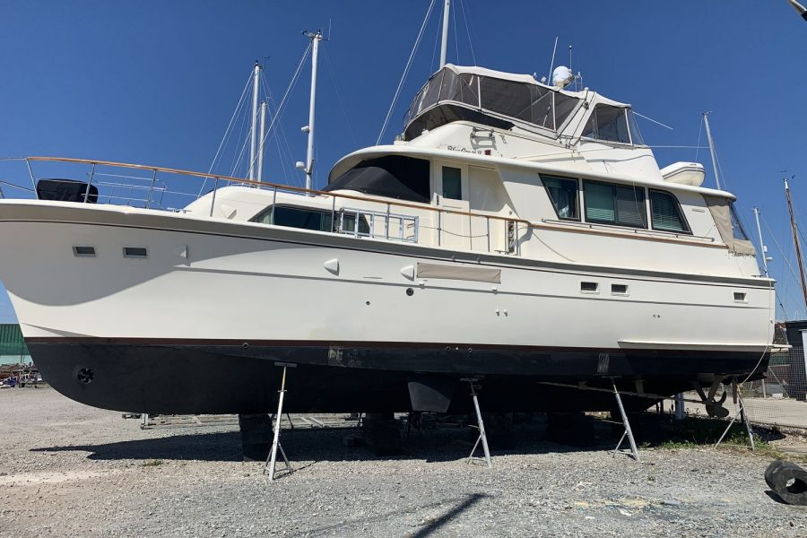 Hatteras 53 ED Motor Yacht - port side