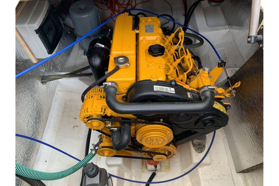Jersey 30 motor cruiser - Vetus 80hp diesel inboard engine