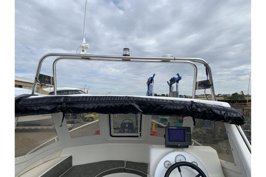 Warrior 175 fishing boat - radar arch