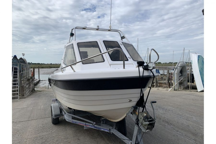 Warrior 175 fishing boat - view from bow