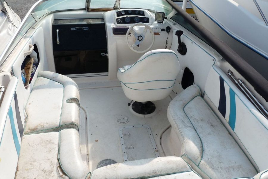 Fletcher Sportscruiser 19 GTS sport boat - cockpit