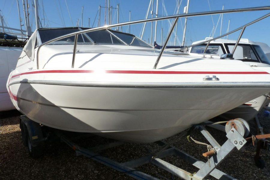 Glastron 2000 cuddy sportsboat