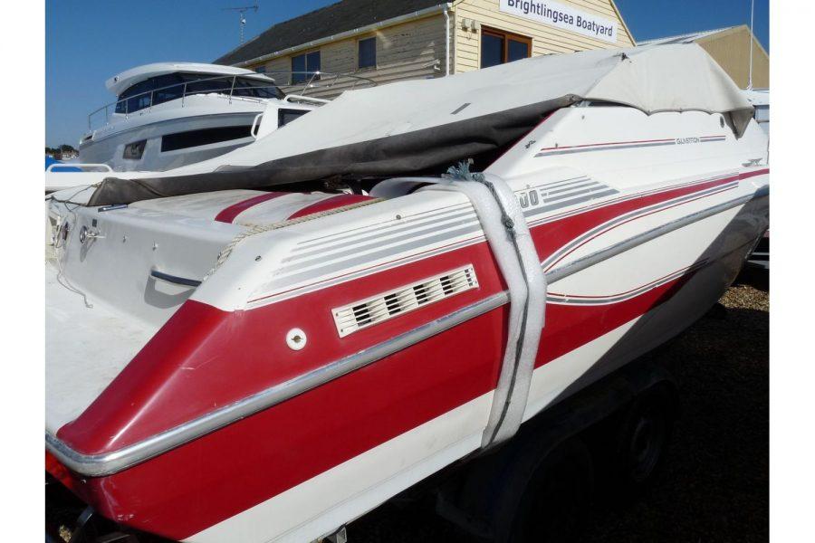 Glastron 2000 cuddy sportsboat - starboard side