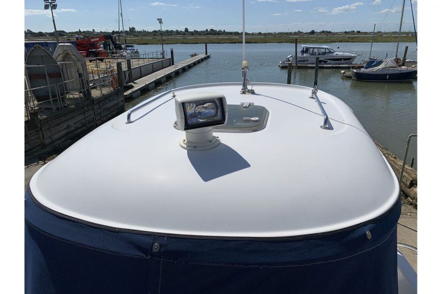 Quicksilver 640 fisherman - roof light