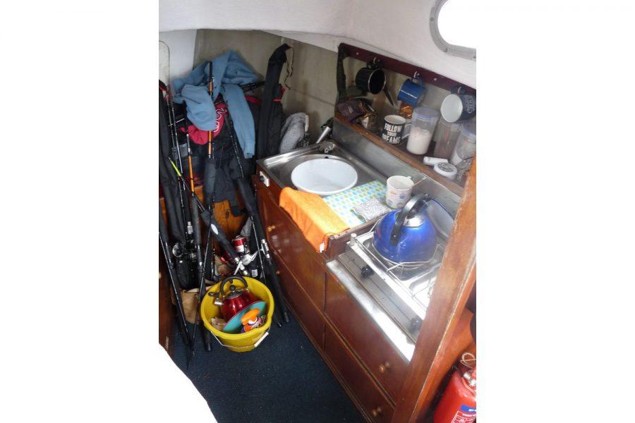 Starfish 8m fishing boat - galley