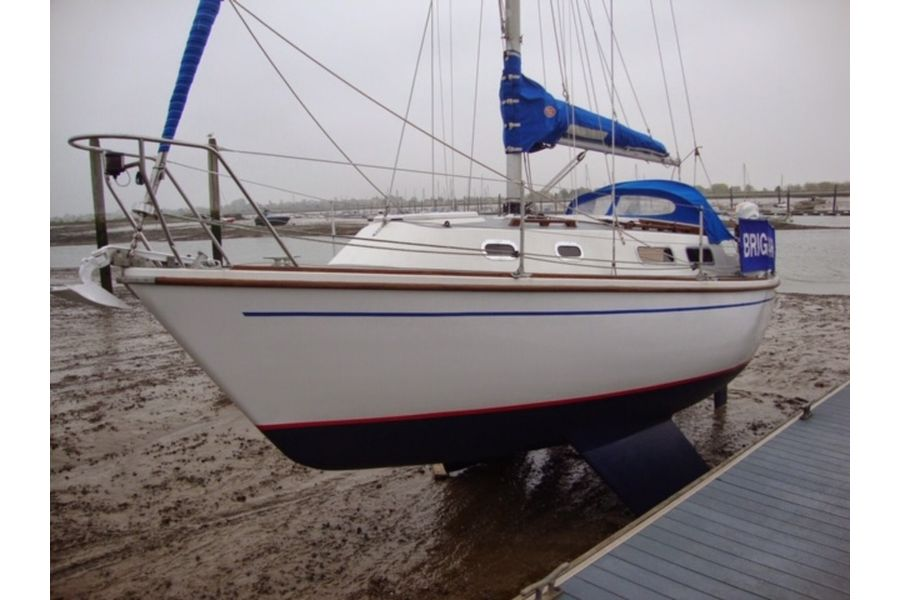 Westerly Griffon 26 - bilge keels sitting on mud