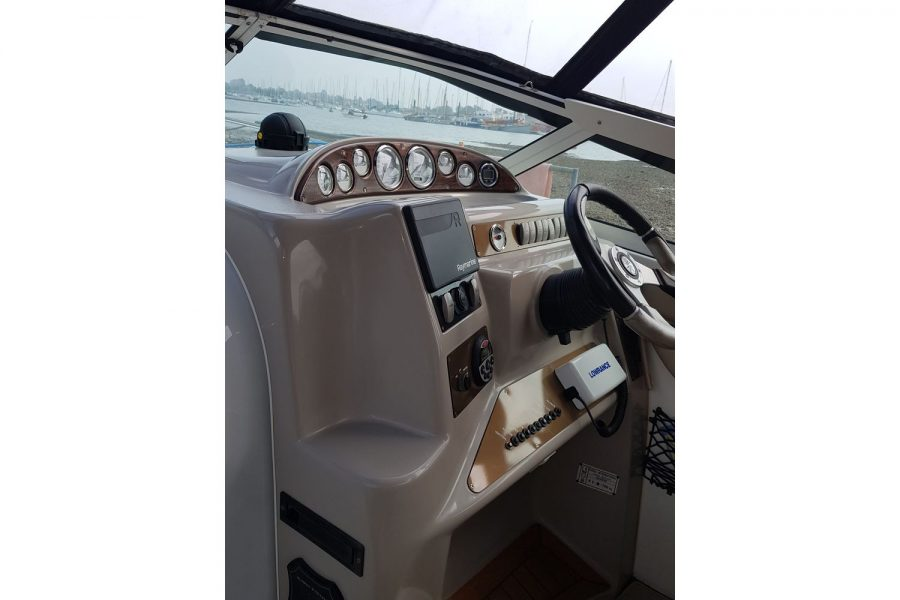 Doral Monticello sports cruiser - helm position
